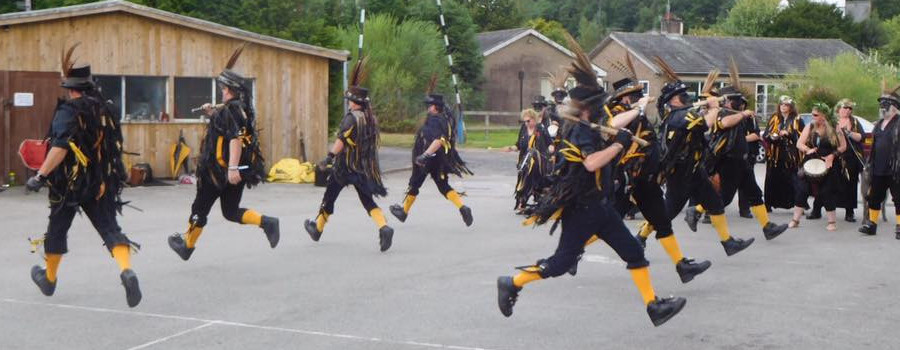 Witchmen border morris dancers